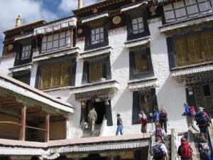 Pilgerfahrt zum Kailash Expedition in das alte Tibet Vortrag mit Lichtbildern nach einer Reise mit dem DAV Summit Club im Mai/Juni 2002 (Wasser-Pferd-Jahr)